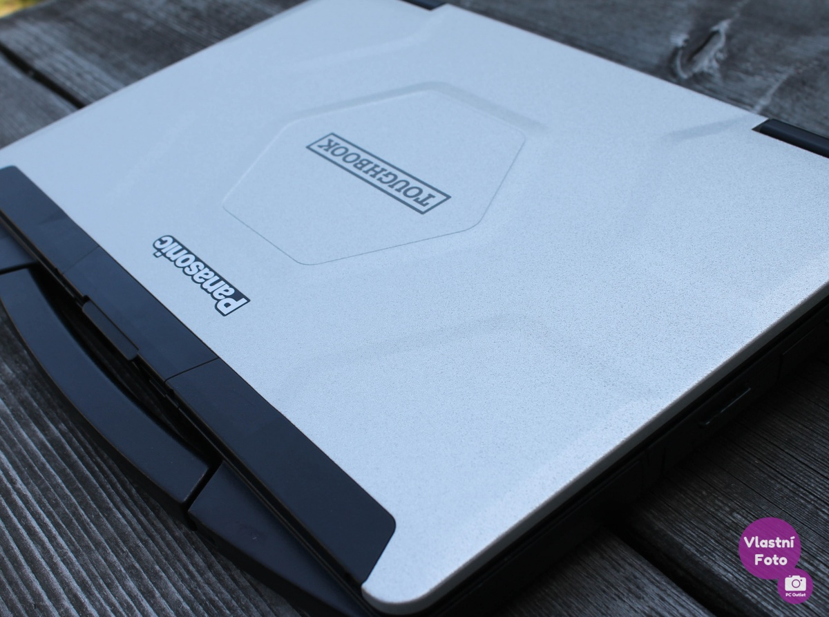 Panasonic_Toughbook_CF-54_MK2_(2_of_6).jpg