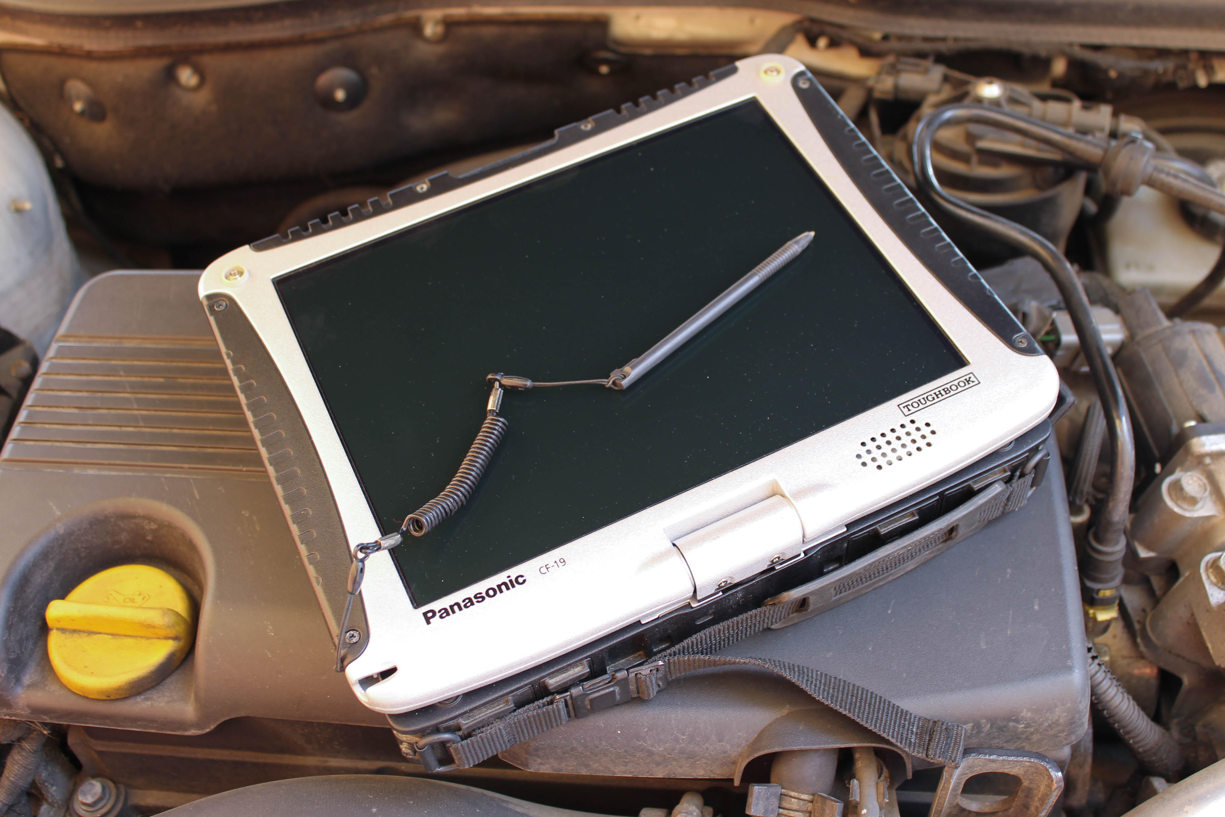 panasonic-toughbook-cf-19-4.jpg
