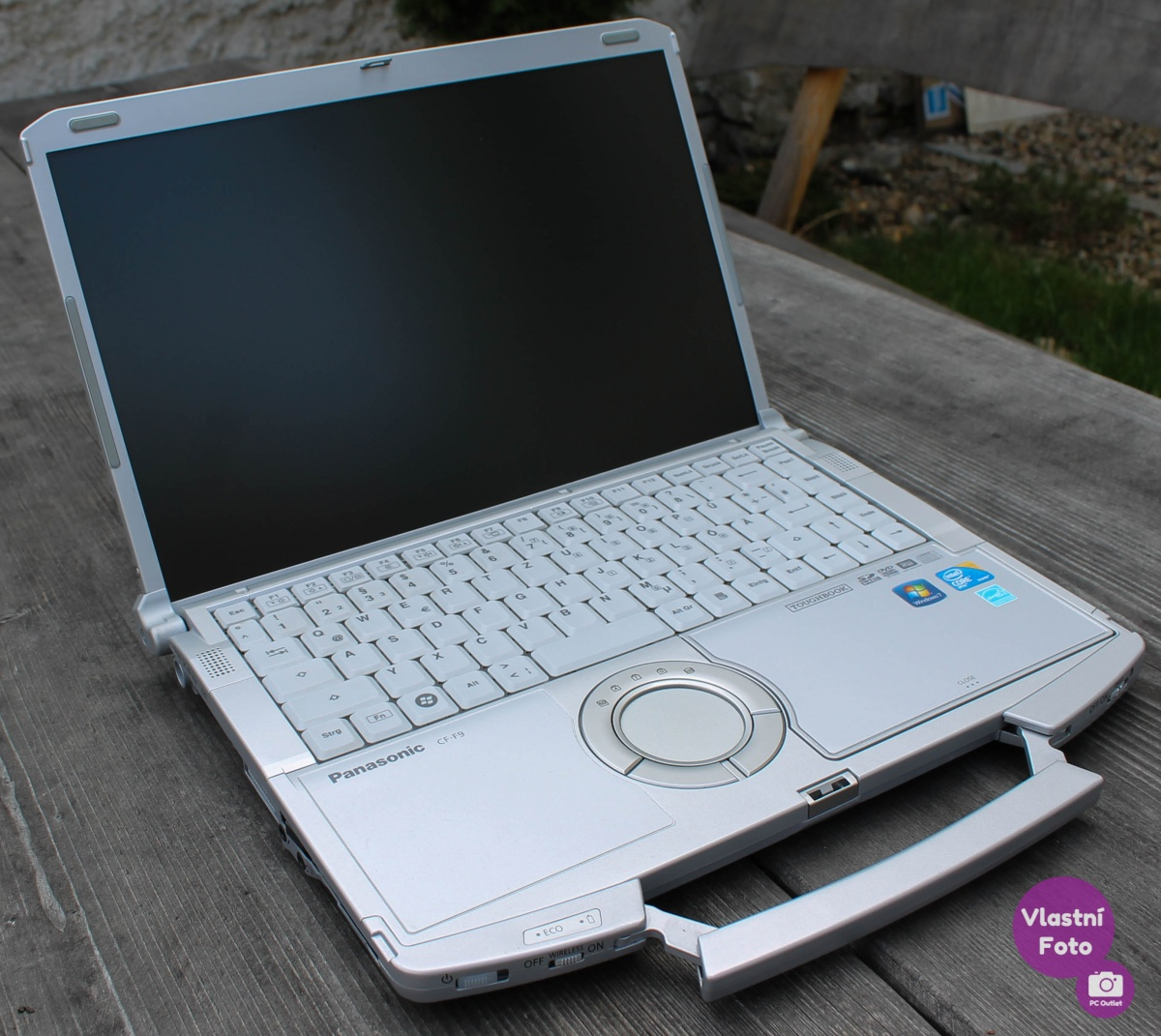 panasonic_toughbook_CF_F9_(4_of_6).jpg